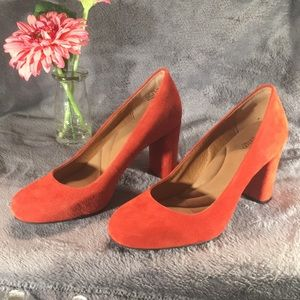 Clarks Indigo orange suede block heel pumps